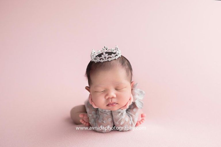 Newborn photography northern nj a princess is never complete withour her crown