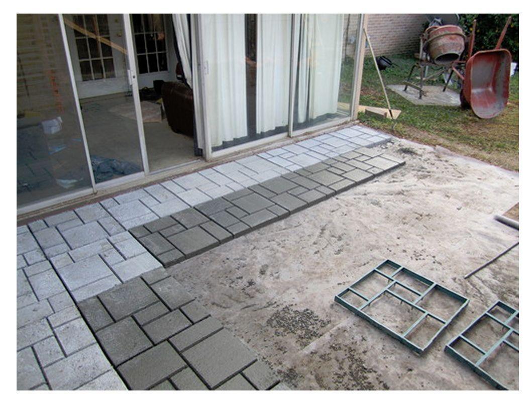 New diy quikrete 6921 34 walk maker patio courtyard for Diy small patio ideas