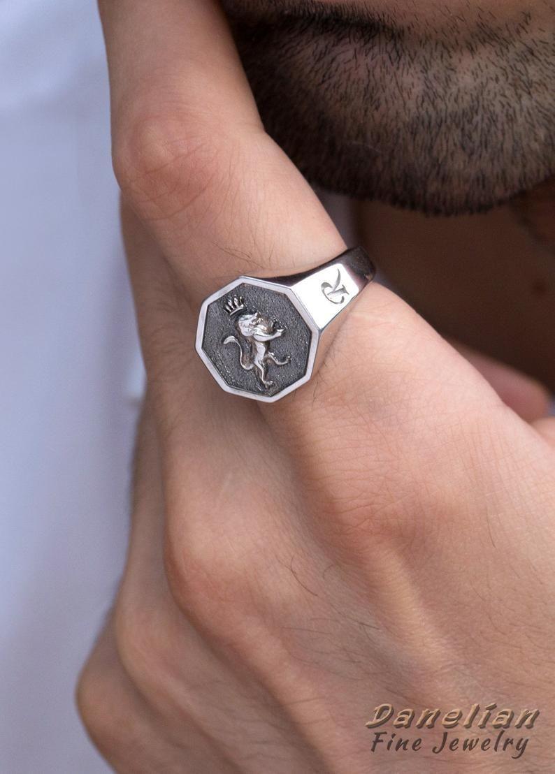 Man Signet Ring, Husband Gift, Sterling Ring Men, Rampant Lion, Family Crest, Lion Ring, Bague Homme, Father Ring, Vintage Ring Men, Letter