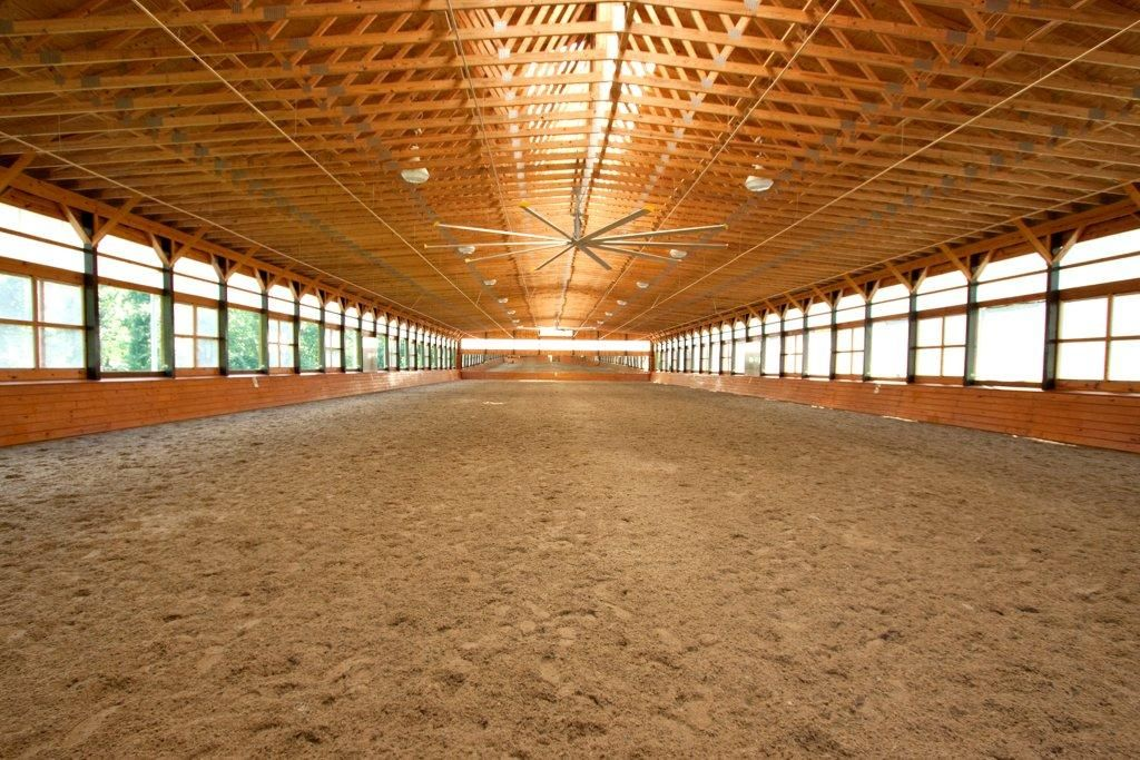Center Sky Lights Functional Sliding Windows Riding Arena Indoor Arena