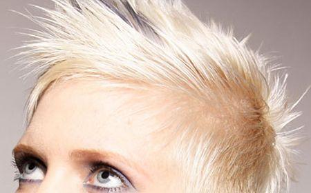 Cómo decolorar el cabello