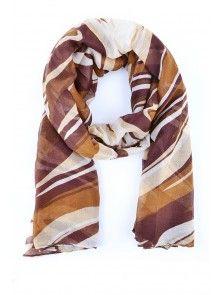 Dámsky módny šál je určený na celoročné použitie. Pôsobí elegantne, je ľahký a príjemný na dotyk. Šály od slovenskej značky JUSTPLAY sú nekrčivé a hodia sa ku väčšine oblečenia. Materiál: 100% polyester
