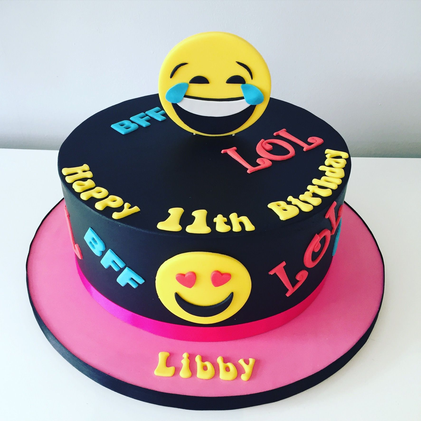 Sunglasses Emoji Cake Emoji Birthday Cake My Cakes Pinterest - 11th birthday cake ideas