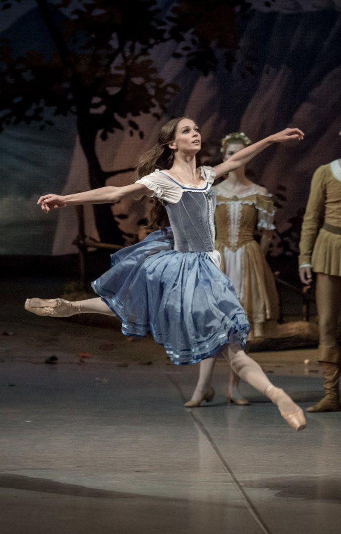 Daria Khokhlova in Esmeralda pas de deux - Photo by Jack