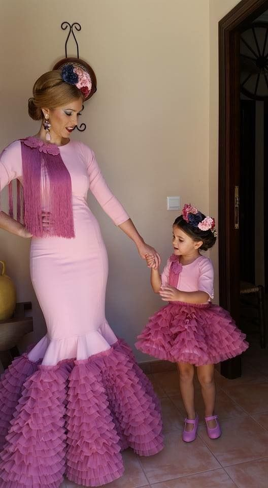 Pin By Lucia Ruiz On Flamencas African Dresses For Kids Mother Daughter Fashion Mom Daughter Outfits