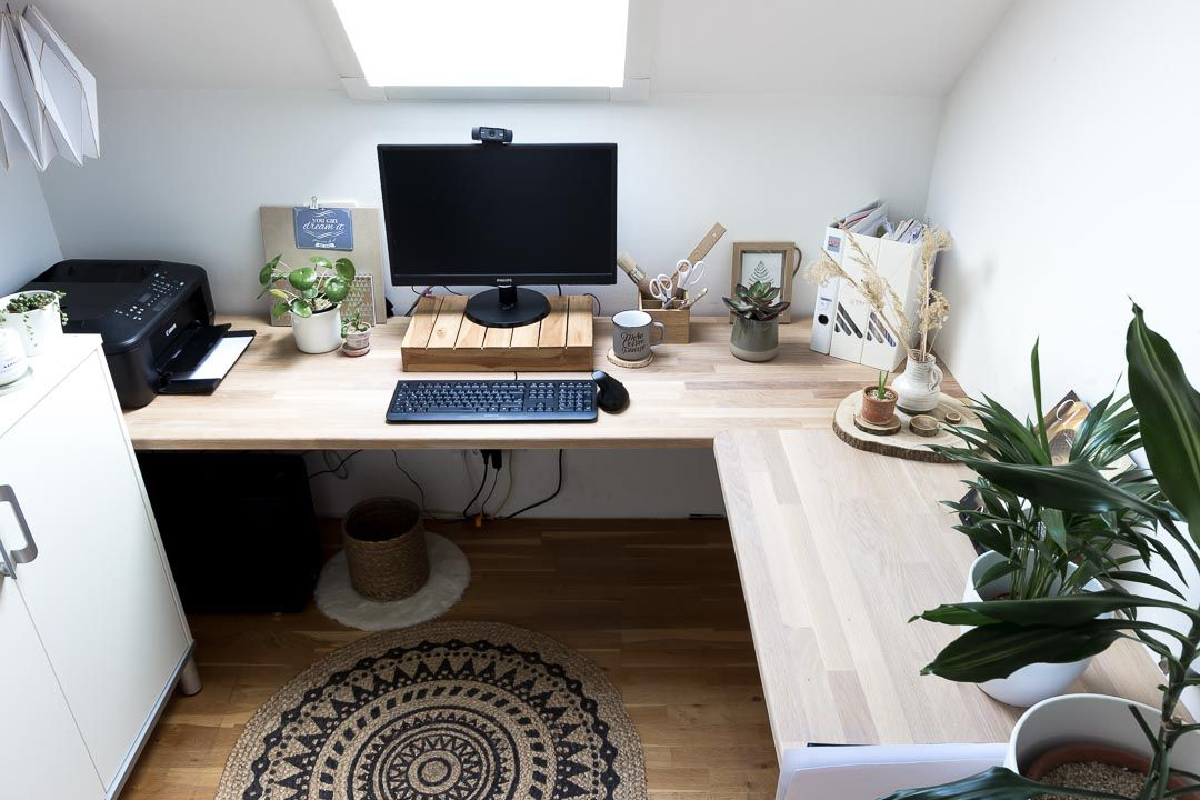 A diy corner desk for the room at the top of the stairs in