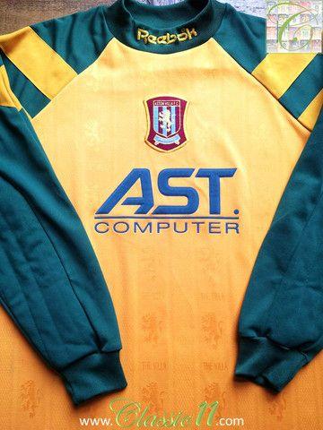 a0297b8e822 Relive Aston Villa's 1996/1997 season with this vintage Reebok goalkeeper  home football shirt.