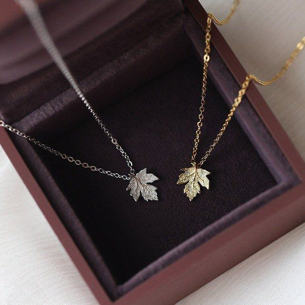Maple Leaf Necklace 925 Sterling Gold/Silver Daint