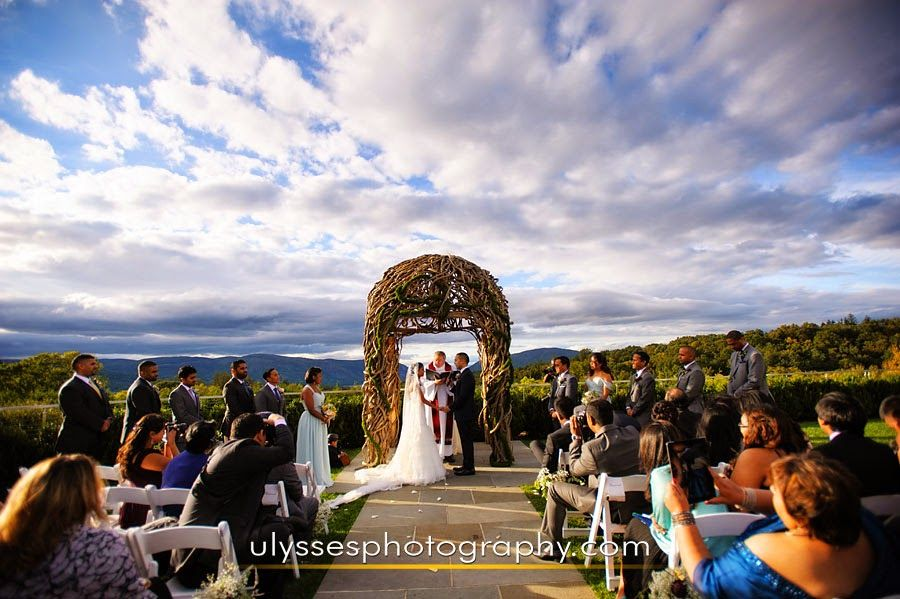 Hudson Valley Weddings 7 Ways To Add More Intimacy Your Outdoor Wedding Take The Garrisonwedding