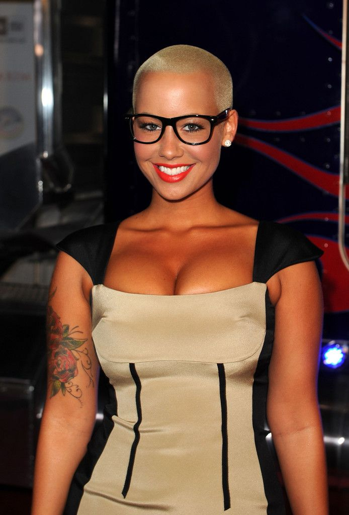 84cbfe636f Chic Amber Rose ...Hot Babe...