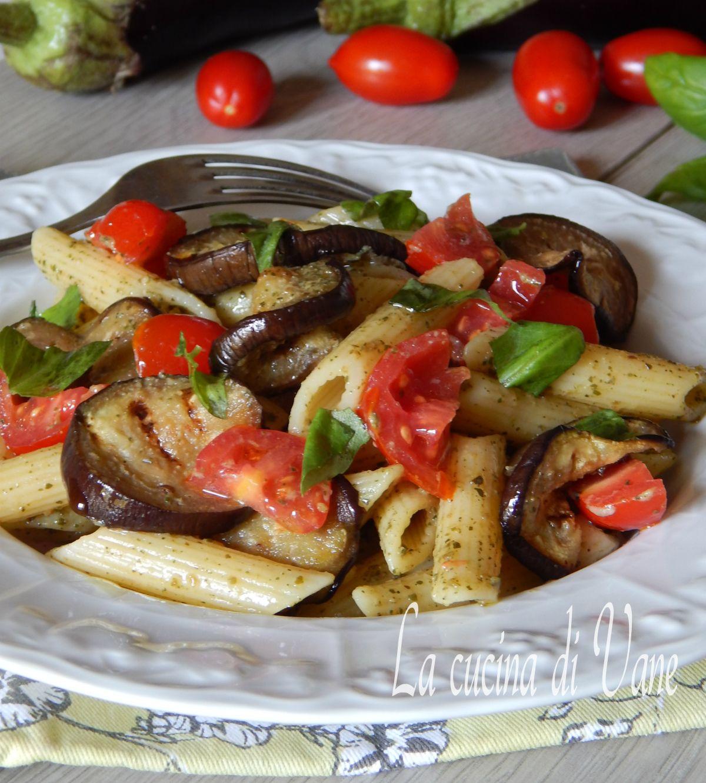 Ricetta pasta con le zucchine e melanzane
