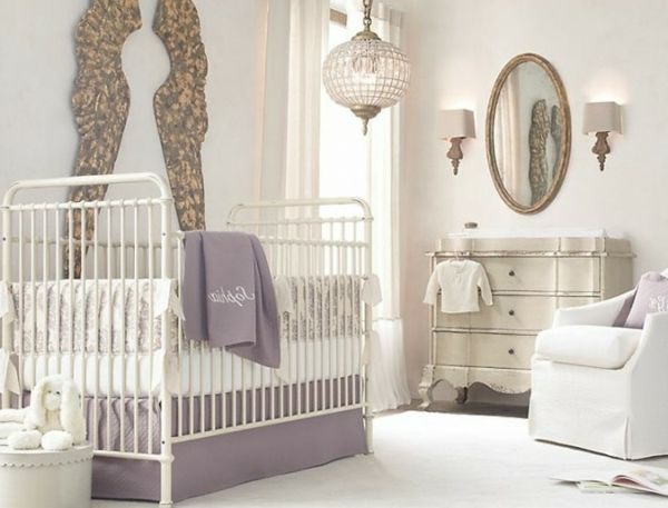 Wand Mit Spiegel Gestalten interessante deko und spiegel an der wand im babyzimmer 45