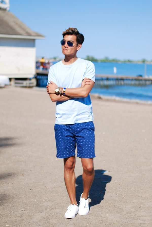 55e79fb7e5a Pairing a baby blue crew-neck t-shirt with blue polka dot shorts is