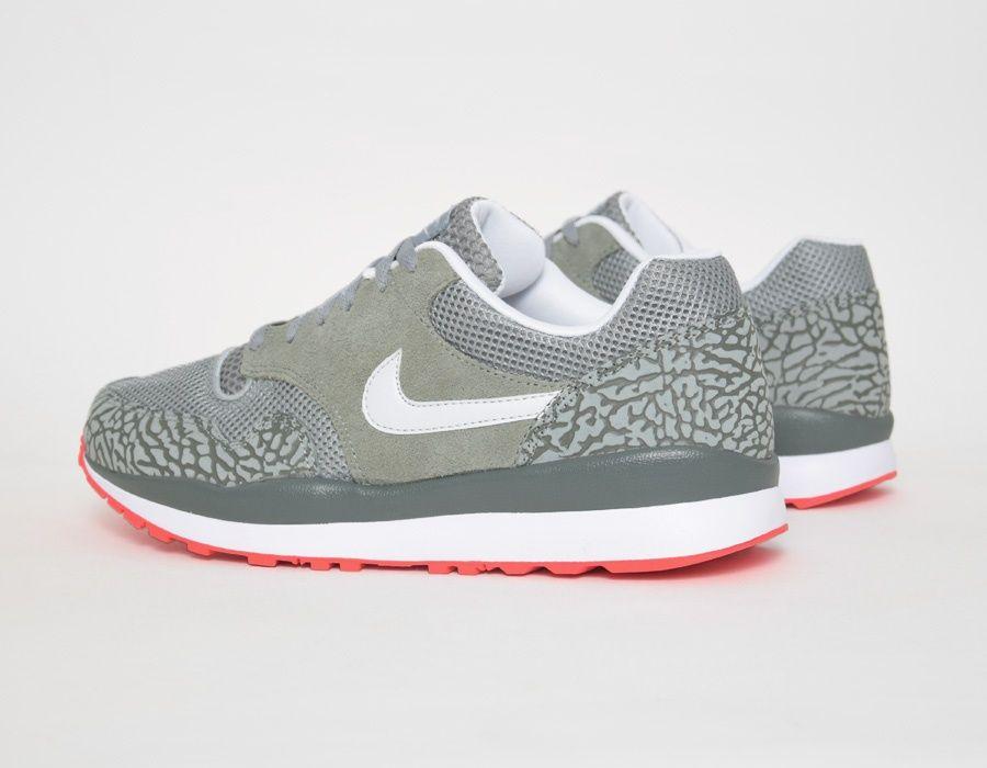 best sneakers 7fe26 8d1ec Nike Air Safari Elephant Grey sneakers Plataformas, Zapatillas, Tenis,  Cumple,