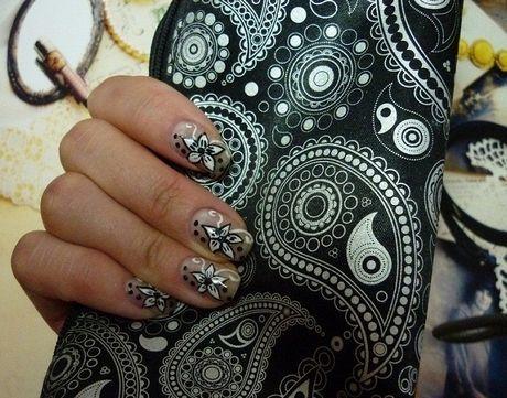 Фото мастер-класс: как нарисовать белые цветы в чёрной окантовке?    Автор: Творческая Анна    Дизайн ногтей, нейл-арт, необычный рисунок, креативный маникюр, нейл-арт, дизайн ногтей, ногти, ноготки, nail art, nails, nail ideas, цветы на ногтях, чёрно-белый дизайн
