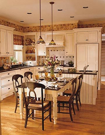 This Is The Best Way To Arrange A Small Kitchen Kitchen Island Dining Table Traditional Kitchen Design Kitchen Design Small