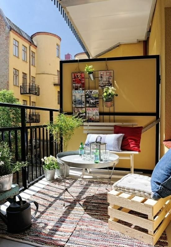 balkon sichtschutz paravent bank holzpaletten sommer stimmung interieur pinterest balkon. Black Bedroom Furniture Sets. Home Design Ideas
