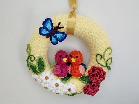 Photo of Crochet pattern door wreath 'spring feeling'
