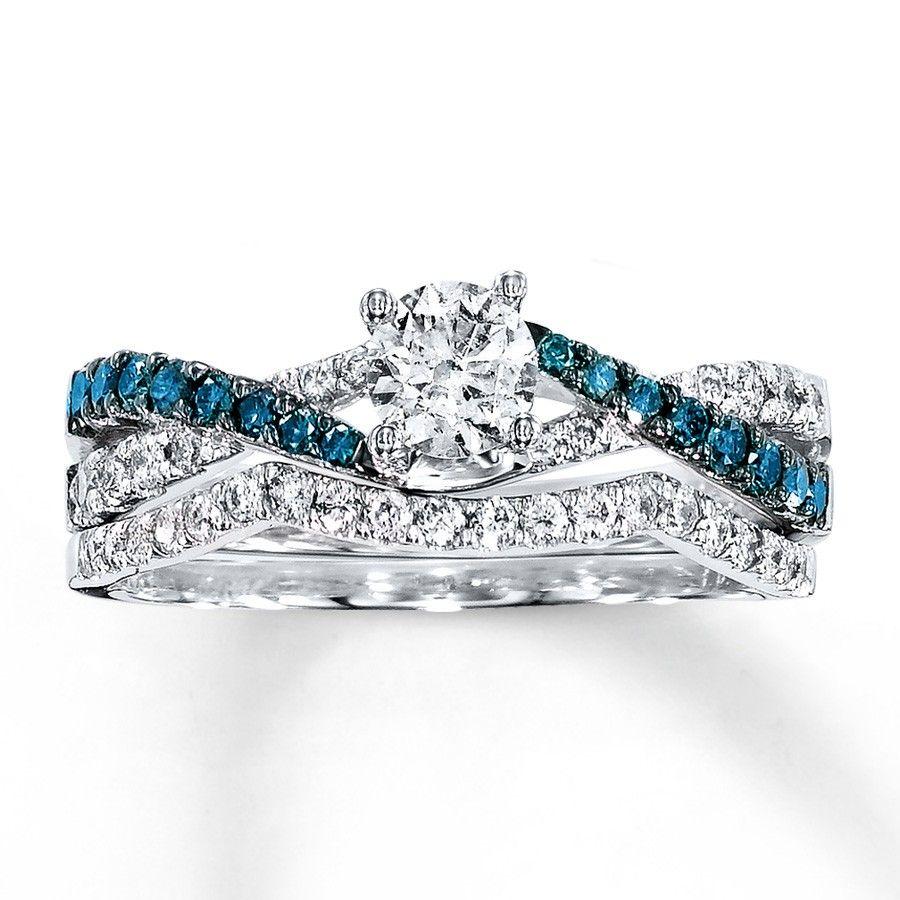 1 Carat Luxurious Round White And Blue Diamond Bridal Ring Set
