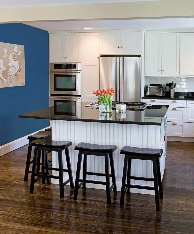Farbe Hinzufügen, Um Eine Weiße Küche stellen Sie frische Blumen und ...