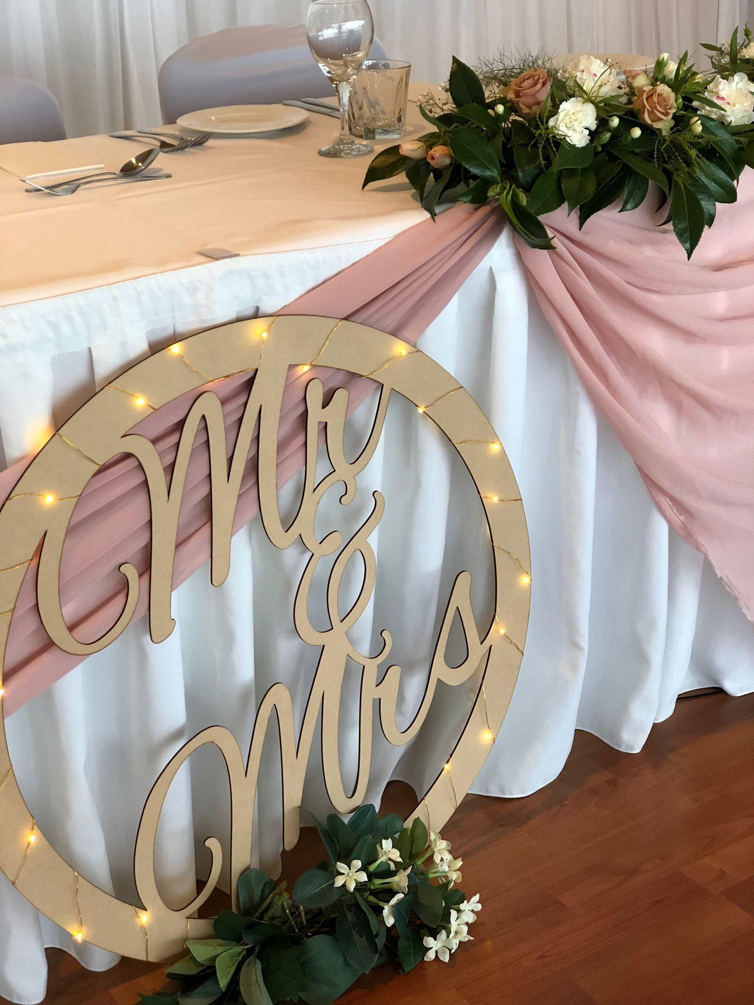 Wedding Decoration Hearts Hanging Mr /& Mrs Rose Gold Pack of 5