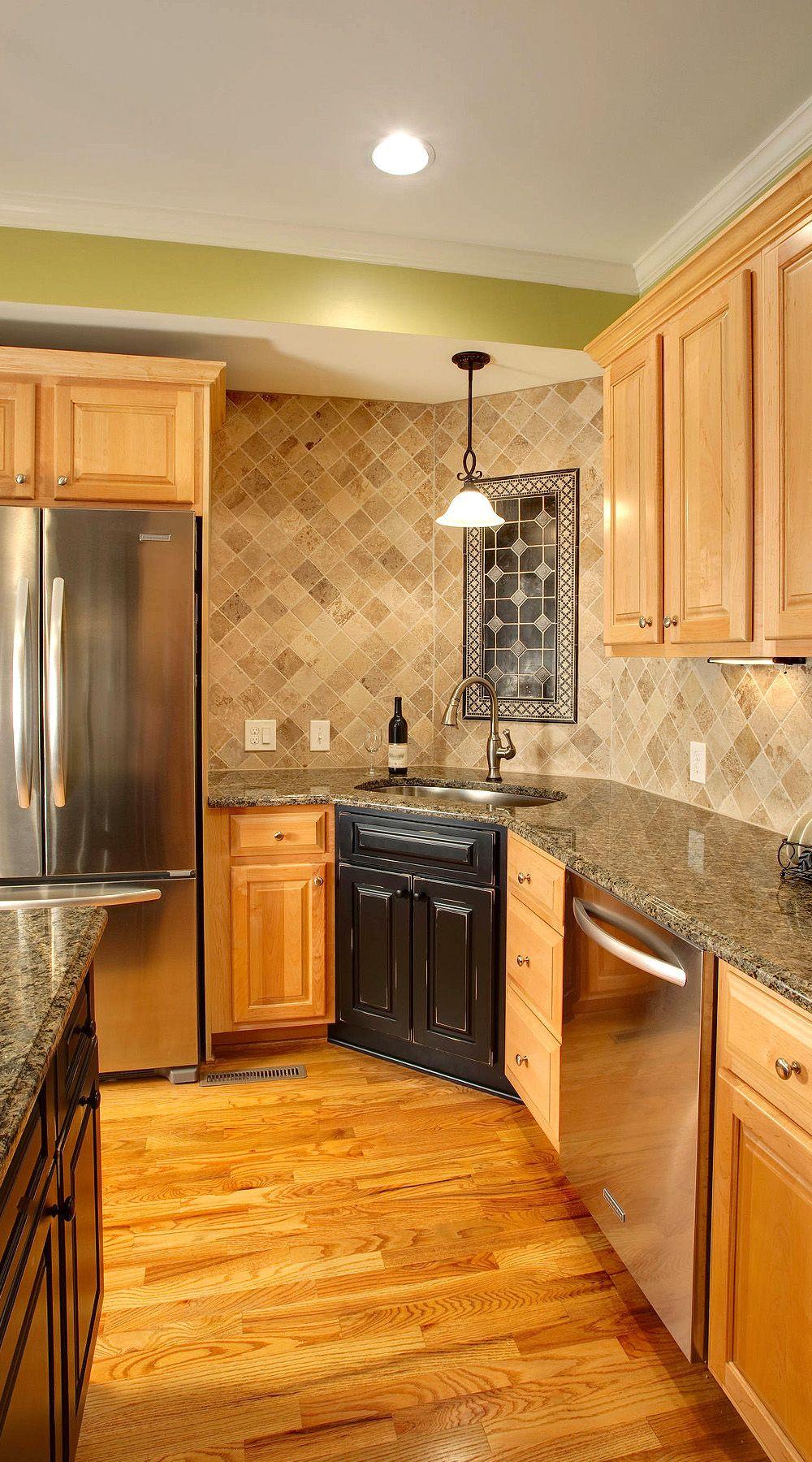 29 Ivory Travertine Backsplash Tile Ideas Natural Design Style In 2020 Honey Oak Cabinets Hardwood Floors In Kitchen Black Kitchen Countertops