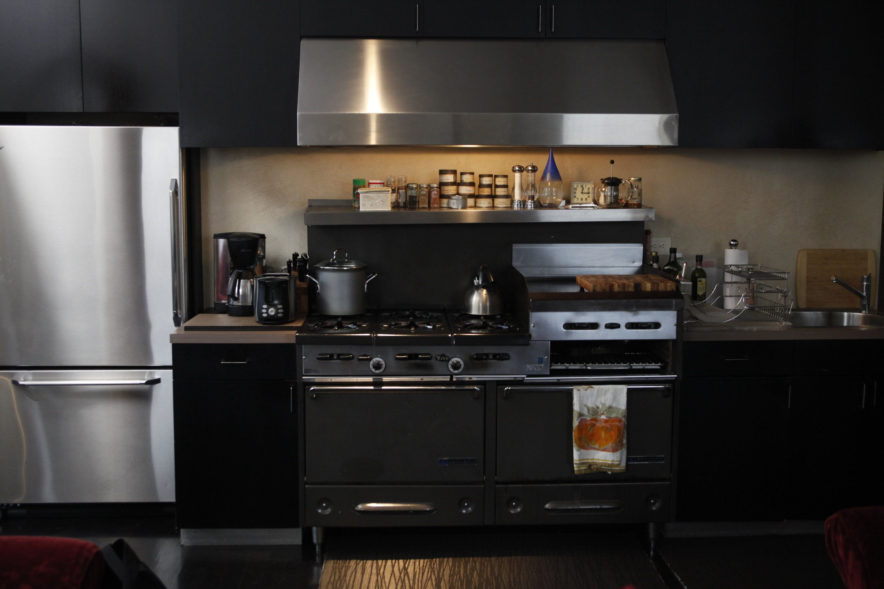 Dark and steely! @GloMSN http://glo.msn.com/living/hot-guys-in-hot-spaces-million-dollar-listings-nyc-7942.gallery