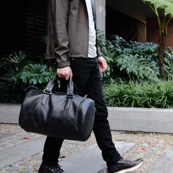 Black Leather Duffle Bag 45 Liters, Mens Bag, Weekend Bag, Gym Bag, Hand Luggage, Mens Travel Bag, Handbag. Custom Monogrammed Gifts for Him #handluggage