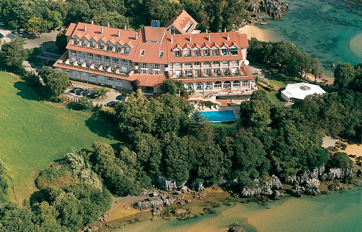 Hotel restaurante Olimpo #Isla #cantabria #Spain #España