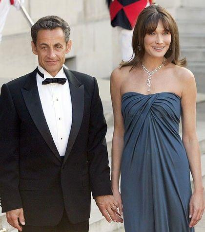Invitation Sent Awaiting Response Strapless Dress Formal Fashion Carla Bruni