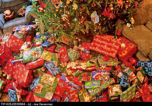 pictures of christmas gifts under a tree | Christmas gifts under the ...