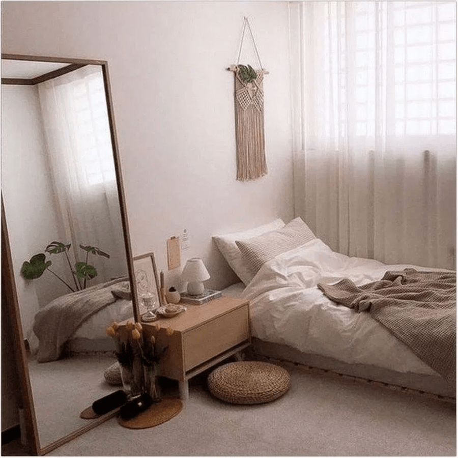 33 Admirable Small Bedroom Decor Ideas You Never Seen Before Homyhomee Small Bedroom Decor Apartment Bedroom Decor Bedroom Decor For Couples