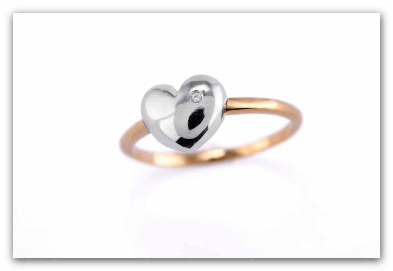 Ref: 2/90/278/2 Sortija de oro de 18 kilates con un diamante talla brillante de 0,006ct. Medidas anillos TATUM