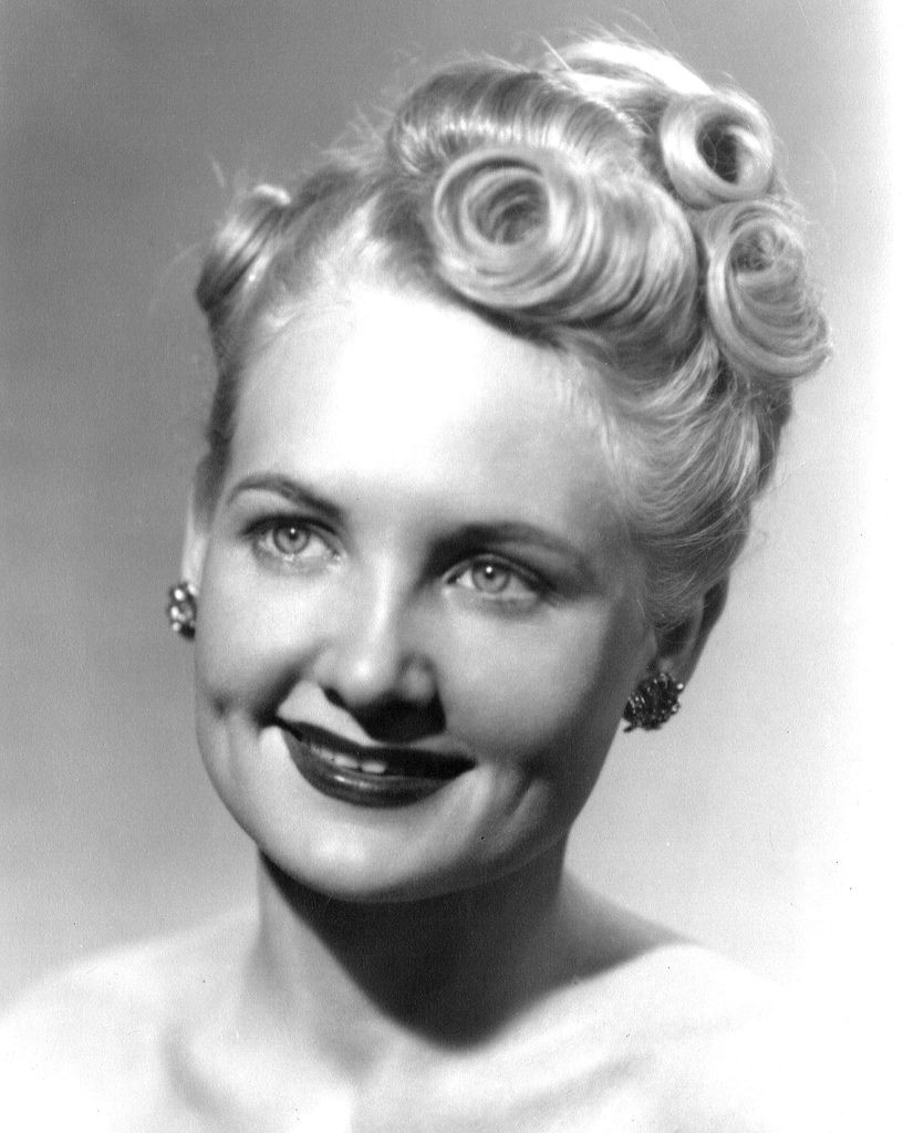 1940s blonde updo great hair