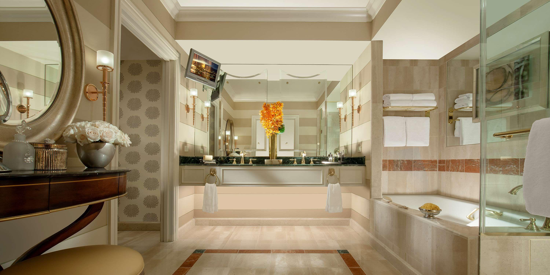 With a hotel bathroom this nice weu0027ll