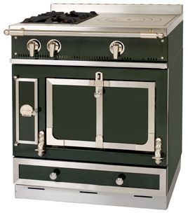 ch teau 75 la cornue british racing green brushed brass houses pinterest kitchens. Black Bedroom Furniture Sets. Home Design Ideas