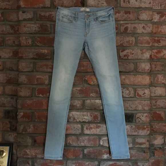 Hollister 5 Pocket Super Skinny Hean Super cute very light wash super skinny jean from Hollister! I love these jeans honestly they're so comfy, they just were too big for me I ended up getting the same pair in a smaller size!!! Hollister Jeans Skinny