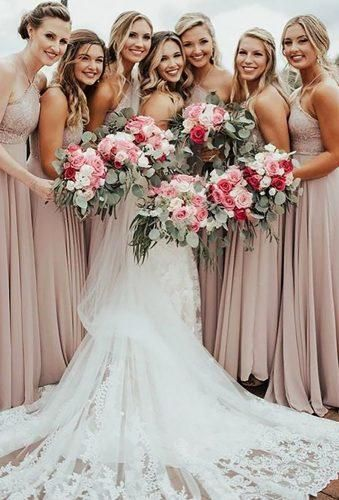 51 Best Bridesmaids Photos You Should Make | Wedding Forward #flowerfabric