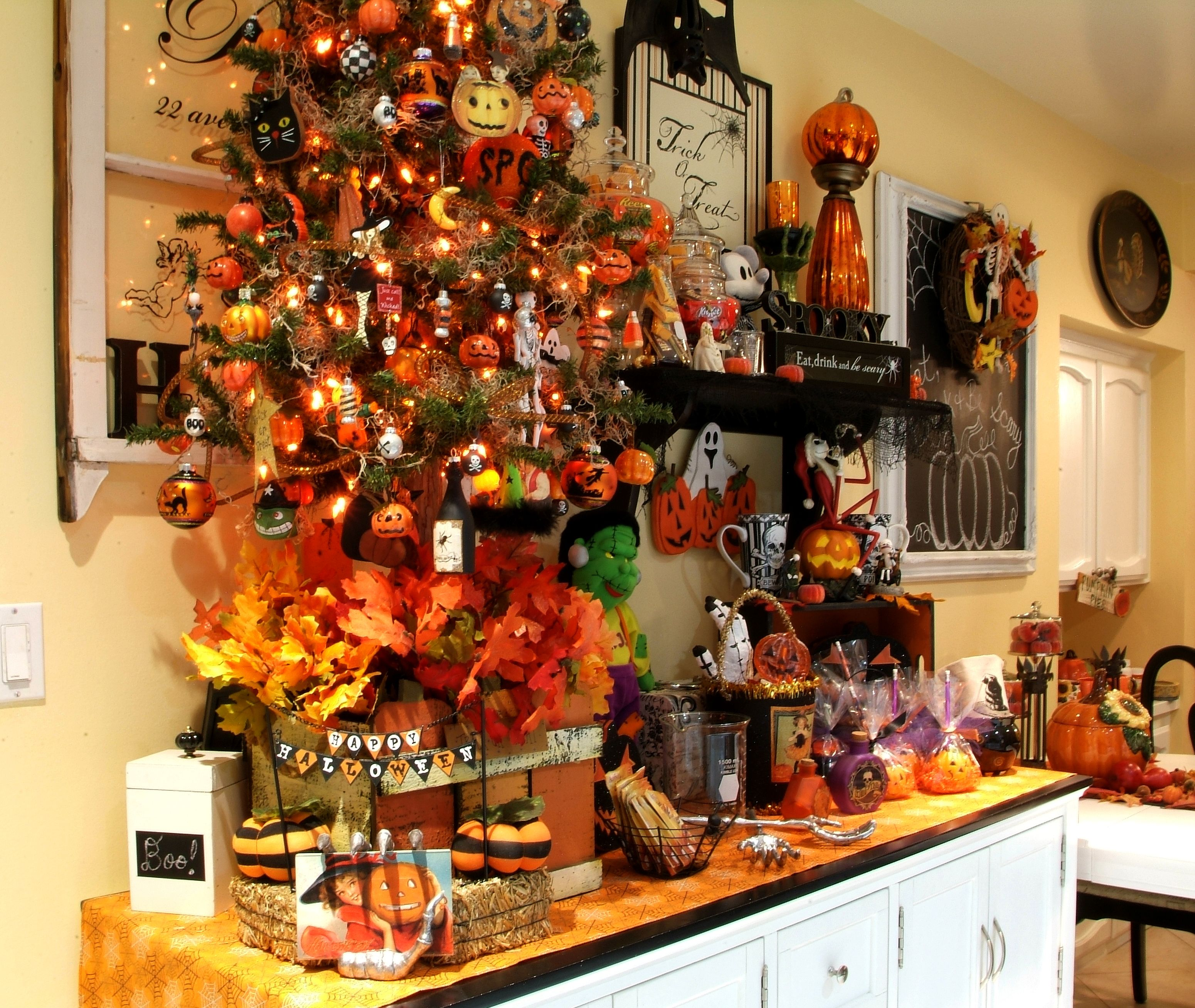 Pin by Franses Homsi on Our Halloween House Pinterest Halloween - halloween house decoration