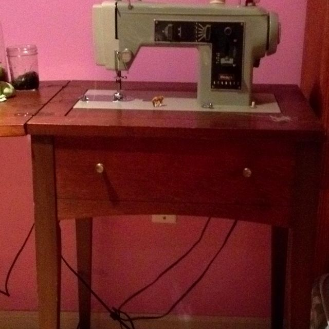 Vintage Sears Kenmore sewing machine | Old sewing machines ...