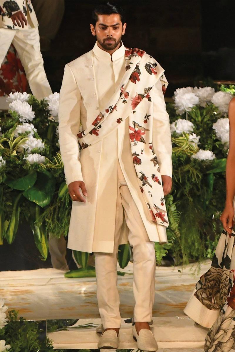 Https Storage Sg Content Cdn Io Cdn Cgi Image Width 800 Height 1200 Quality 75 Format Auto Fit Cover G Top Wedding Dresses Men Indian Sherwani Groom Sherwani [ 1200 x 800 Pixel ]
