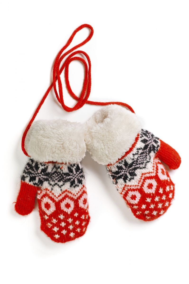 ccb0c708bdd How to Keep Kids from Losing Mittens   Gloves --- a nice easy string is a  fast solution.