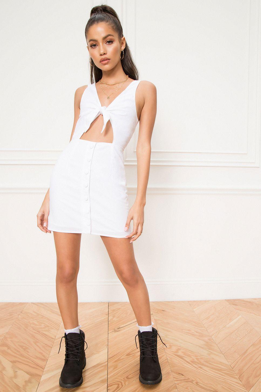 Superdown Elsie Tie Front Dress Superdown In 2021 Tie Front Dress Dresses White Dress [ 1450 x 967 Pixel ]