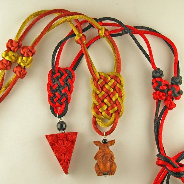 Chinese knot | ... ancient art of chinese knot tying these beautiful decorative knots are