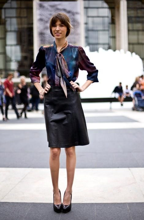 How can I wear a leather skirt for work? | Leather skirts, Blazers ...