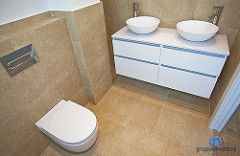 El baño de cortesía ofrece las mejores prestaciones en cuanto a equipamiento sanitario. #bathroom