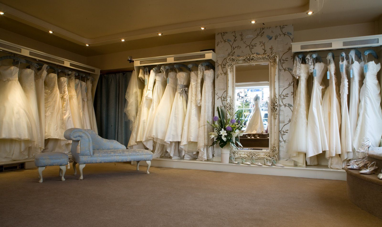 ebd0f405325 Ellie Sanderson Bridal Boutique | Retail | Bridal shop interior ...