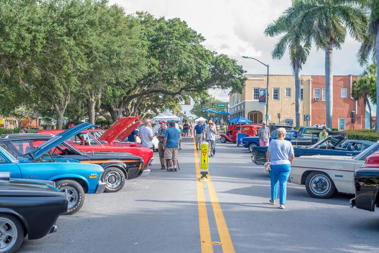 Roughly Lovingly Maintained Collectible Cars Drew Plenty Of - Vero beach car show
