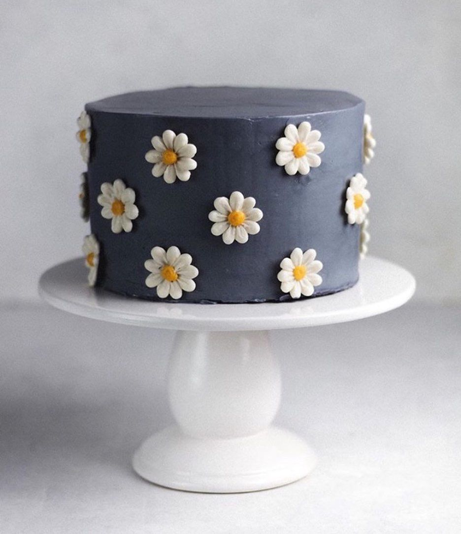 G E N O F E V E On Instagram Cute Cake Vibes Via Bakingbutterlylove Pretty Birthday Cakes Simple Birthday Cake Cute Cakes