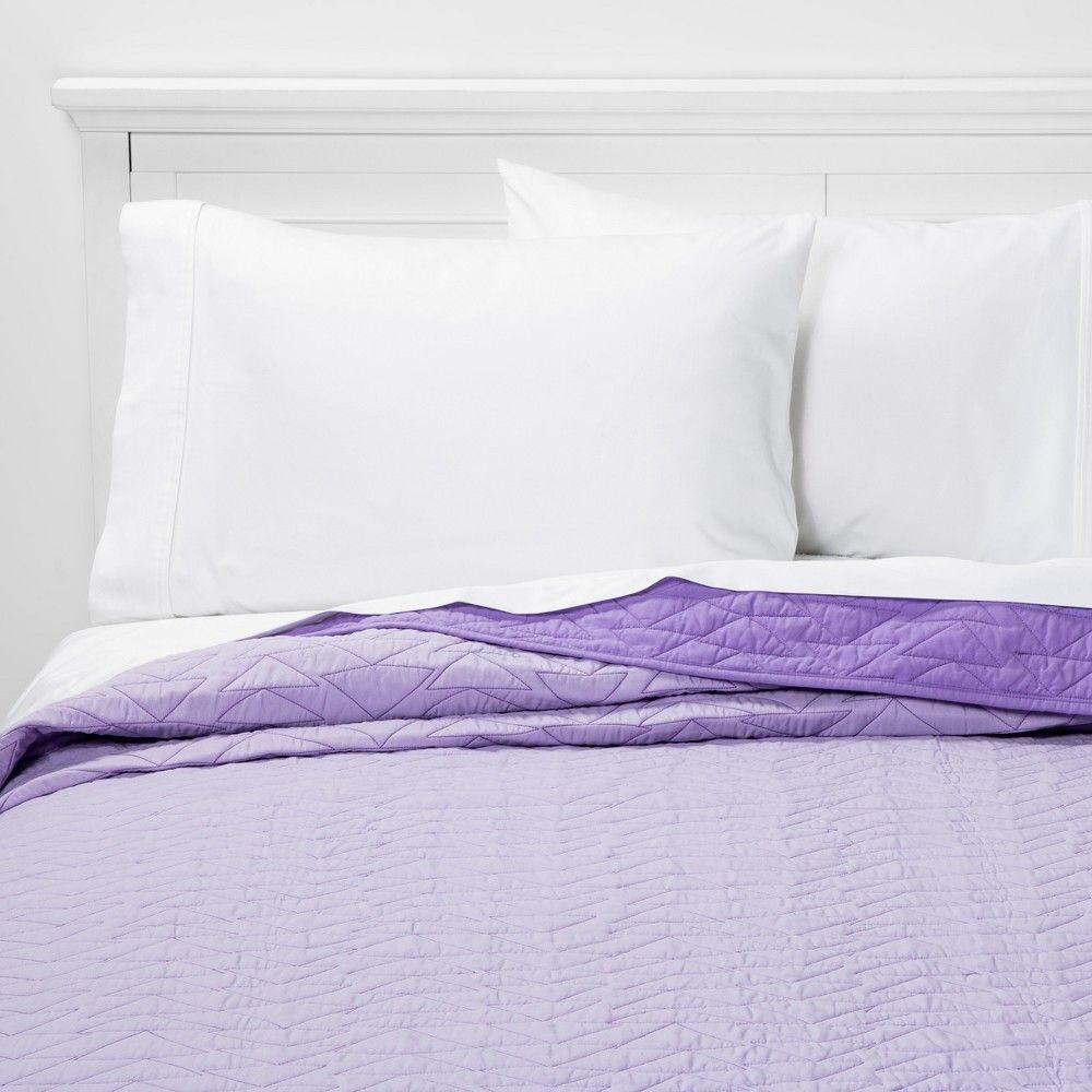 Twin Triangle Stitch Microfiber Quilt Light Purple - Pillowfort™